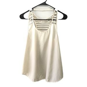 Annabelle Women's Cream Sleeveless Blouse M